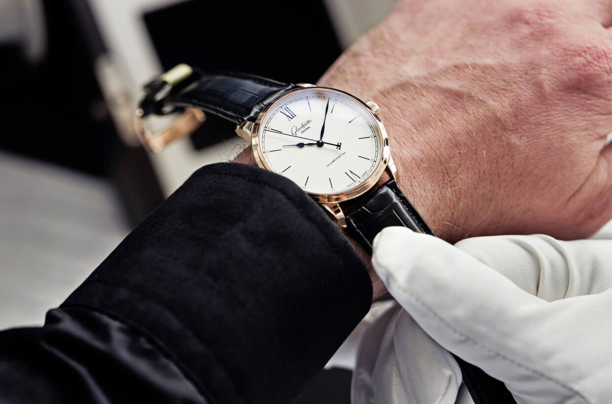 Your relationship with Glashütte Original We accompany you before, during and after the purchase of your Glashütte Original watch and guarantee the highest level of satisfaction. About the service
