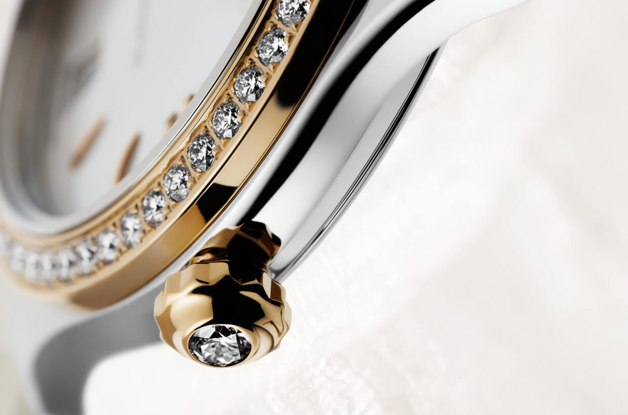 Refined mechanics The crown, which is especially comfortable to use, is fitted with either a sapphire cabochon or a brilliant-cut diamond. Beating in the heart of the Lady Serenade is a superbly finished manufactory movement with a swan-neck fine adjustment.