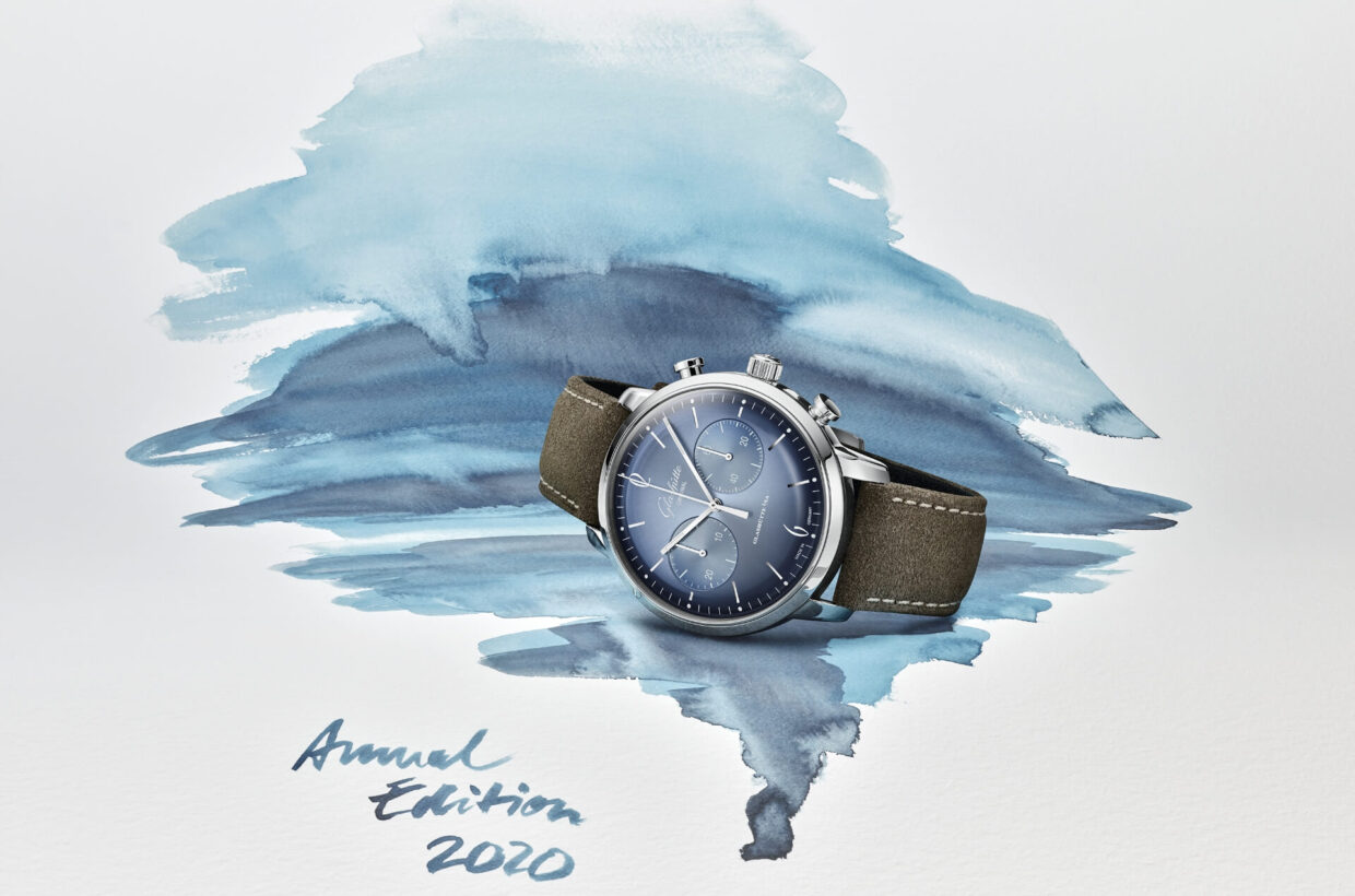 Annual Edition 2020 Alpine mountain worlds and majestic glaciers radiate incomparable clarity, peace and strength. Our designers have captured this mood with the new Annual Edition's elegant glacier blue. Both models are available for only a limited period of time.